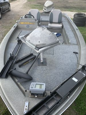 Bass Boat 17' for Sale in Midlothian, TX