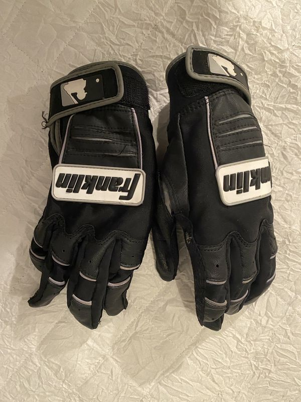 Men's Baseball Cleats, Batting Gloves, Golf Shoes