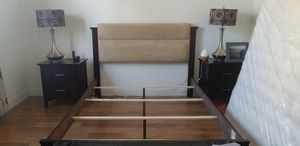 Queen bed frame for Sale in Miami Springs, FL