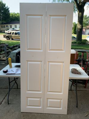 High quality solid wood folding closet door for Sale in Aurora, IL