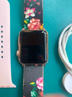 Apple Watch series 3 42mm for Sale in Maple Valley, WA