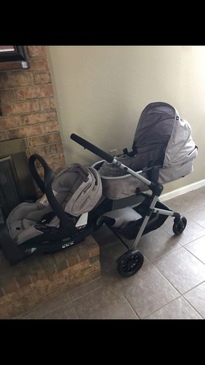 EVENFLO PIVOT MODULAR TRAVEL SYSTEM BASE INCLUDED for Sale in El Paso, TX
