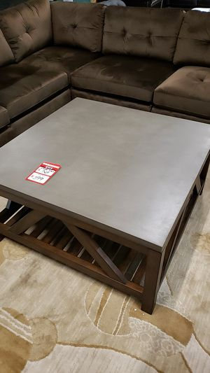 Coffee table for Sale in Gig Harbor, WA