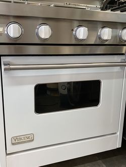 """Viking 30"""" White Range 4 Burners Stainless Steel Stove Gas Oven for Sale in Santa Ana,  CA"""