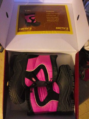 Smith kids snow boots size 3 youth for Sale in The Bronx, NY