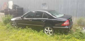 2005 mercedes c class v6 for parts for Sale in Apopka, FL