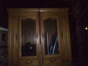 Dresser/ closet for Sale in Riverside, CA