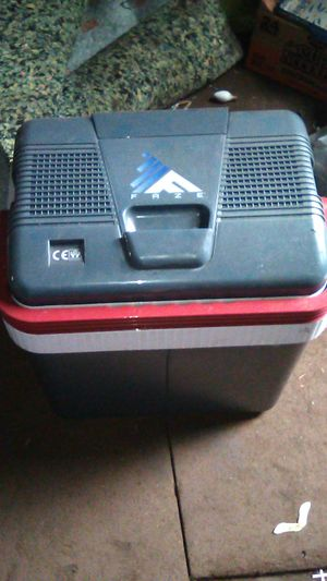 12 volt travel cooler for Sale in Buffalo, NY