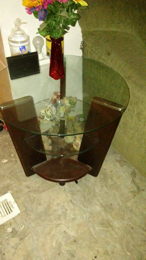 2 round end tables50 ,1 game chair15,brown mirror10,big lamp 5,3 DVD players 10 a piece or 25 for all 3,brand new computer monitor 25 for Sale in White Oak, TX