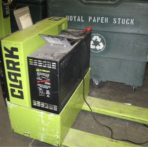 Clark WP40 Electric Pallet Jack Forklift for Sale in Chicago, IL