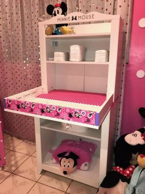 MINNIE MOUSE BABY CHANGING TABLE OR DRESSER for Sale in Pomona, CA