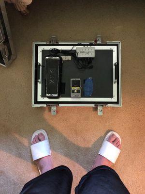 Guitar pedal board for Sale in Baton Rouge, LA