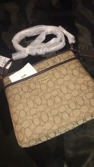 COACH FILE CROSSBODY BAG NEW for Sale in North Las Vegas, NV