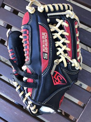 Omaha Series baseball glove new condition lefty glove Louisville slugger for Sale in Los Angeles, CA