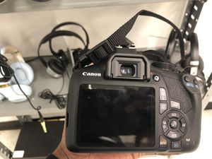 Canon t6 with bag and lense for Sale in Atlanta, GA