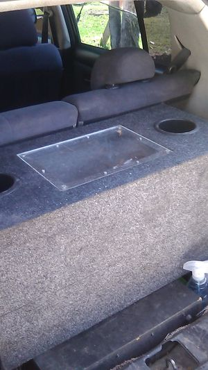 Good speaker box for two ten inch woofers for Sale in Highland, CA