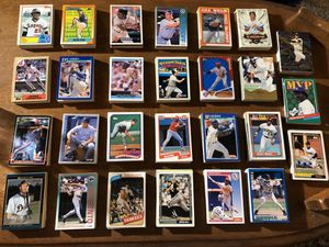 HUGE BASEBALL CARD COLLECTION - 675 cards - Filled with Rookies & All Stars / 25 Cards of all MLB Teams / 1980s 1990s Topps Score Donruss kid kit for Sale in Tampa, FL