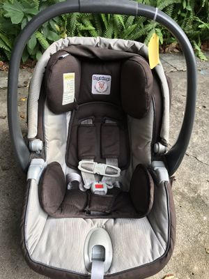 Peg Perego Primo Viaggio Infant Car Seat with Base- good condition! for Sale in Orlando, FL