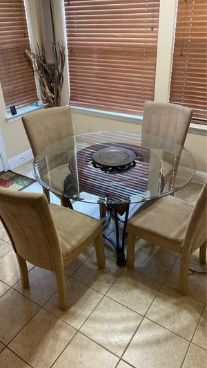 Dining/ Kitchen table and 4 chairs for Sale in Garland, TX