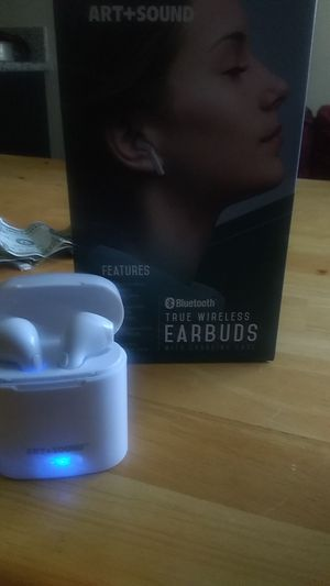 True wireless earbuds with charging case. for Sale in Sacramento, CA