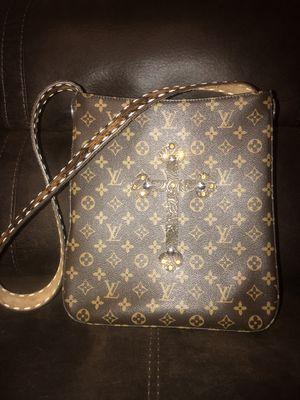 Louis Vuitton Western Shoulder Bag for Sale in Sanger, CA