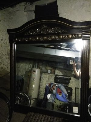 A dresser mirror for Sale in Columbus, OH