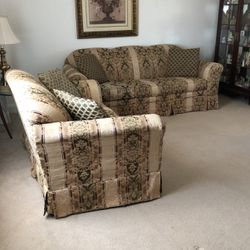 Two Piece Couch And Love Seat With Coordinating Pillows for Sale in Canonsburg,  PA