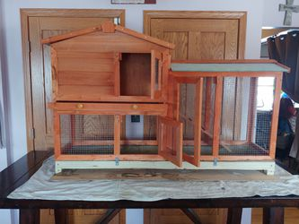 Rabbit hutch with Hay, food and supplies for Sale in Grove City,  OH