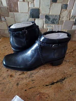 Michelle D ankle boots for Sale in Las Vegas, NV