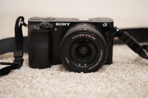 Sony a6000 for Sale in Los Angeles, CA
