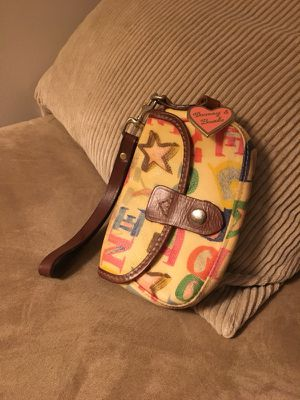 Dooney and Bourke wristlet for Sale in New York, NY