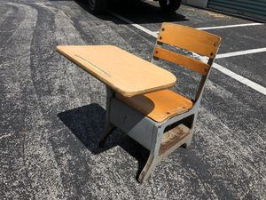 Vintage American Crusader Kids School Desk. for Sale in Punta Gorda, FL