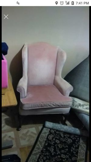 Pink sofa chair 25$ obo for Sale in Mesa, AZ