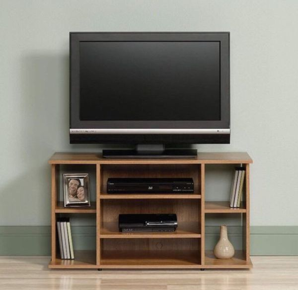 Sauder TV Stand Oak Finish in a brand new condition