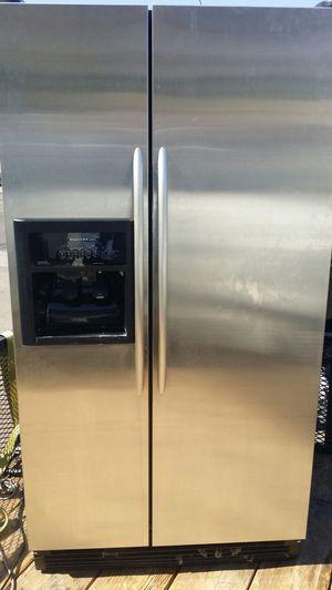 Kitchen aid fridge, for Sale in Phoenix, AZ