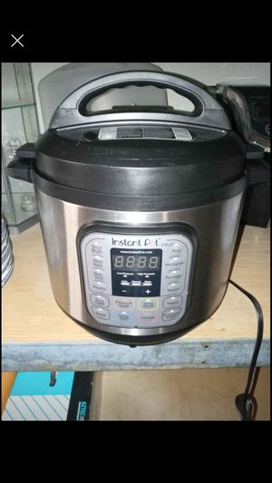 Instant pot slow cooker for Sale in San Bernardino, CA