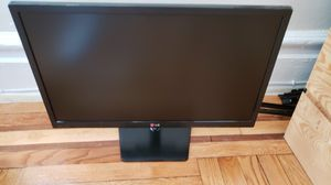 "LG 24"" Flatron 24EN33TW-B Monitor in perfect condition for Sale in Queens, NY"