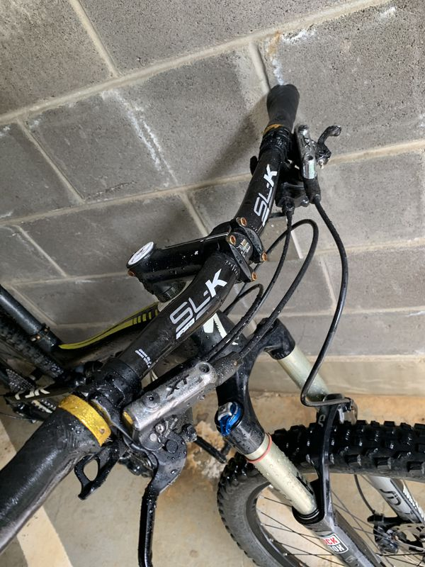 Specialized epic carbon mountain bike ready to shred