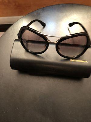Prada sunglasses for Sale in Boca Raton, FL