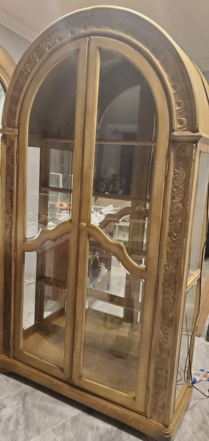 Antique china cabinet for Sale in Hollywood, FL