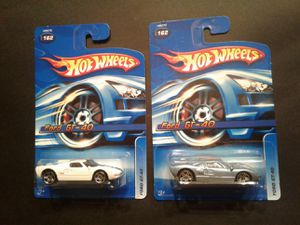 Hot wheels 2 car set. Ford gt 40 for Sale in North Saint Paul, MN