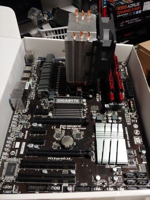 Gaming Computer Guts. FX-8320 CPU, 970 Motherboard and 16gb Ram for Sale in Yuma, AZ