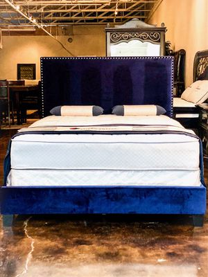King navy velvet studded bed with mattress and free delivery for Sale in Austin, TX