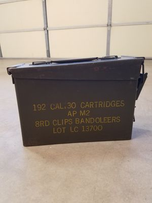 Vintage WWII Ammo Box. $35 Cash. 67th ave and Deer Valley Arrowhead for Sale in Glendale, AZ