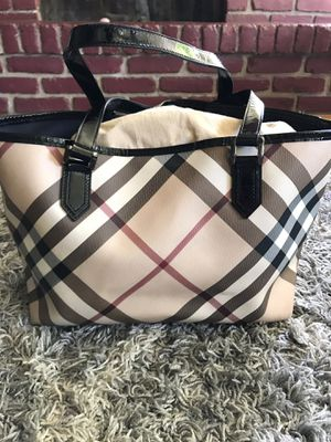 Burberry tote/purse for Sale in San Diego, CA