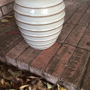 Plant Pot/ Flower Pot for Sale in Fort Worth, TX