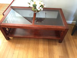 Coffee table for Sale in Linthicum Heights, MD