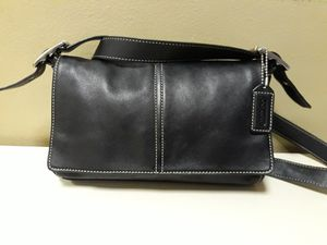 COACH BLACK LEATHER CROSSBODY SHOULDER PURSE for Sale in Queens, NY