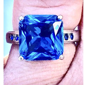Large Blue Princess Cut Ring for Sale in Elgin, IL