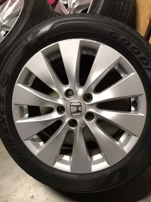 """17"""" honda accord rims and tires for Sale in Riverside, CA"""